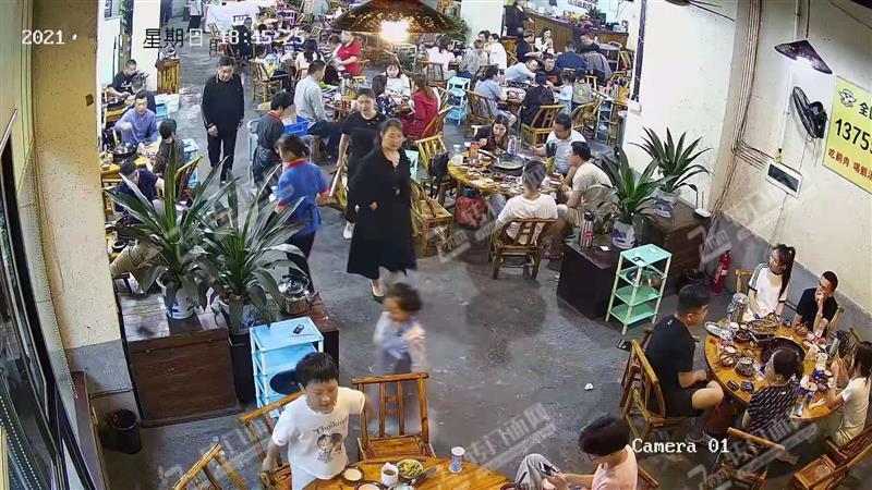 滨江金融商圈地铁口520盈利中的餐饮旺铺转让